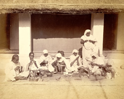 Sonars (goldsmith caste) at work, Cuttack 4934